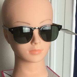 Foster Grant Polarized Spotted Sunglasses